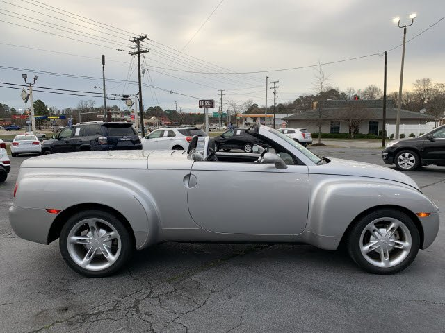 Pre-Owned 2006 Chevrolet SSR Base